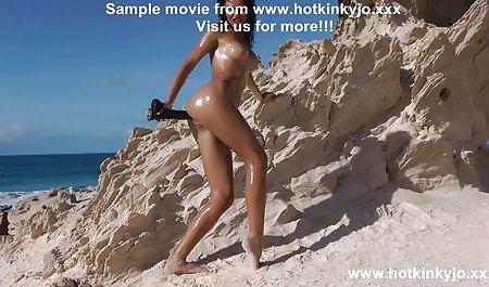 Ein Mädchen in einem Minirock nutzt eine Pause, um Sex zu haben private amateur sex filme