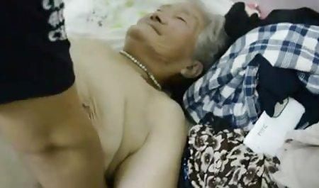 Molliges private sex filme Mädchen steckt eine Frau mit einem Strapon fest