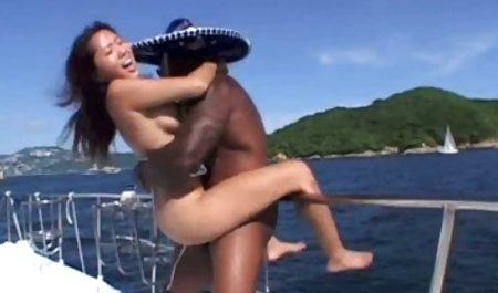 Schwarze Prinzessin privat gedrehte sex filme mit einem nassen Schlitz
