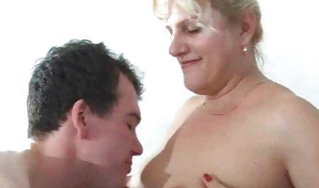 Die schwarze und blonde Chessie Kay ist ein Baby, das nicht gratis deutsche amateur pornofilme immer genug ist