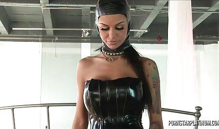 Bailey Blue private deutsche sexfilme und Christi Mack lecken sich gegenseitig