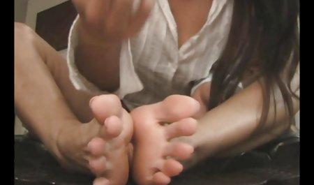 Morgenübungen private pornofilme gratis eines jungen Mädchens in kurzen Hosen
