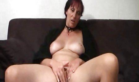 Brünette Angelica Raven schluckt privatesexfilm Schwanz