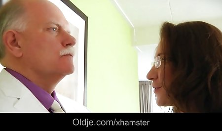 Treffen Sie sich mit Haley private sex filme Wilde auf der Toilette
