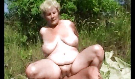 Zwei Mädchen sexfilme mit deutschen hausfrauen lutschen einem Kerl einen Schwanz