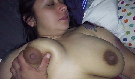 Jessica Lynn auf mein privater sexfilm das Bett gerissen