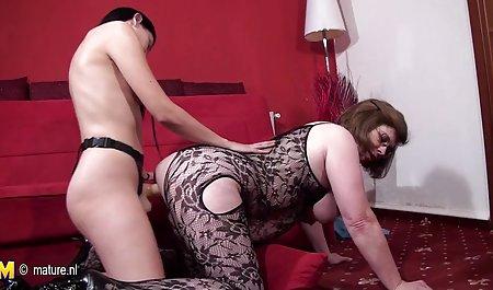 Zerreißt einem Mädchen den Arsch private sexfime und spritzt ihm ins Gesicht