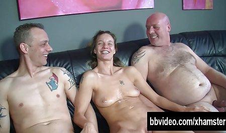 Zwei Mädchen mit kleinen Titten und einem glücklichen private amateur pornofilme Mitglied