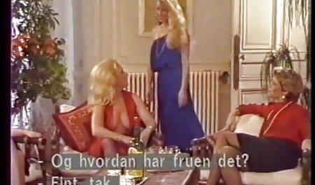Der Typ private pornofilme gratis hat die Schönheit im Anus gefickt